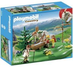 Playmobil Kirándulók a hegyi forrásnál (5424)