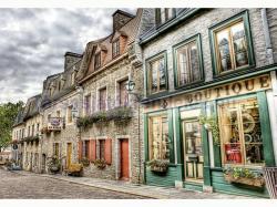 Educa Genuine Petit Champlain Heighbourhood Quebec 2000 db-os HDR puzzle (16012)