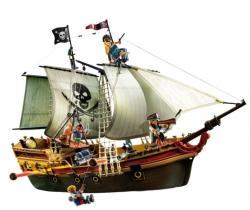 Playmobil Nava de atac a piratilor (PM5135)