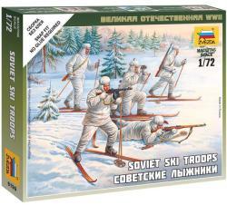 Zvezda Soviet Skiers 1/72 6199