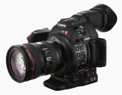 Canon EOS C100 Mark II + 24-105mm