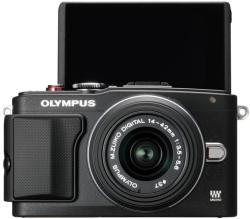 Olympus E-PL6 + EZ-M1442 II R 14-42mm