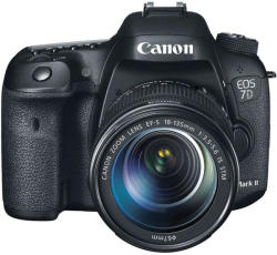 Canon EOS 7D Mark II + 18-135mm IS STM