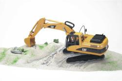 BRUDER Excavator CAT (2438)