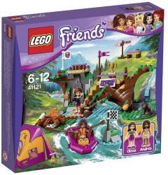 LEGO Friends - Csónakázás a kalandtáborban (41121)