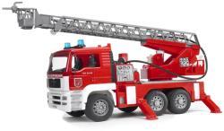 BRUDER MAN Tűzoltóautó működő vízfecskendővel (02771)