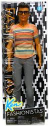 Mattel Fashionistas - Ken baba szürke farmerben és szemüvegben