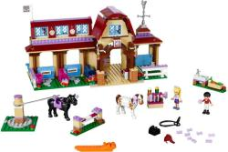 LEGO Friends - Heartlake lovasklub (41126)