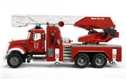 BRUDER Mack létrás tűzoltóautó 59cm