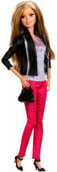Mattel Barbie - Fashionista barátnők - Barbie luxus divatbaba fekete-ezüst kabátban