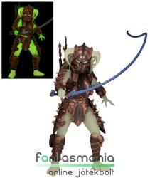 18-21cm-es Predator figura - Stalker Predator figura levehtő maszkkal, Alien-páncéllal és foszforeszkáló részekkel - NECA Predators Series 16 - Készleten!