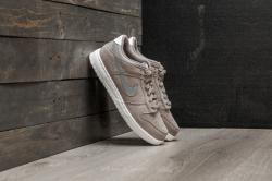 Nike Dunk Low SE GS (Women)