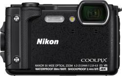 Nikon Coolpix W300 Holiday Kit (VQA070K001)