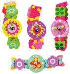Woodyland Fa játékóra karkötő virágokkal és szívekkel