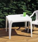 Báthory Háztartási és Műanyagáru SUSI négyszögletes asztal színes